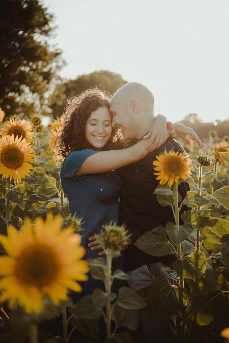 foto coppia girasoli engagement arezzo