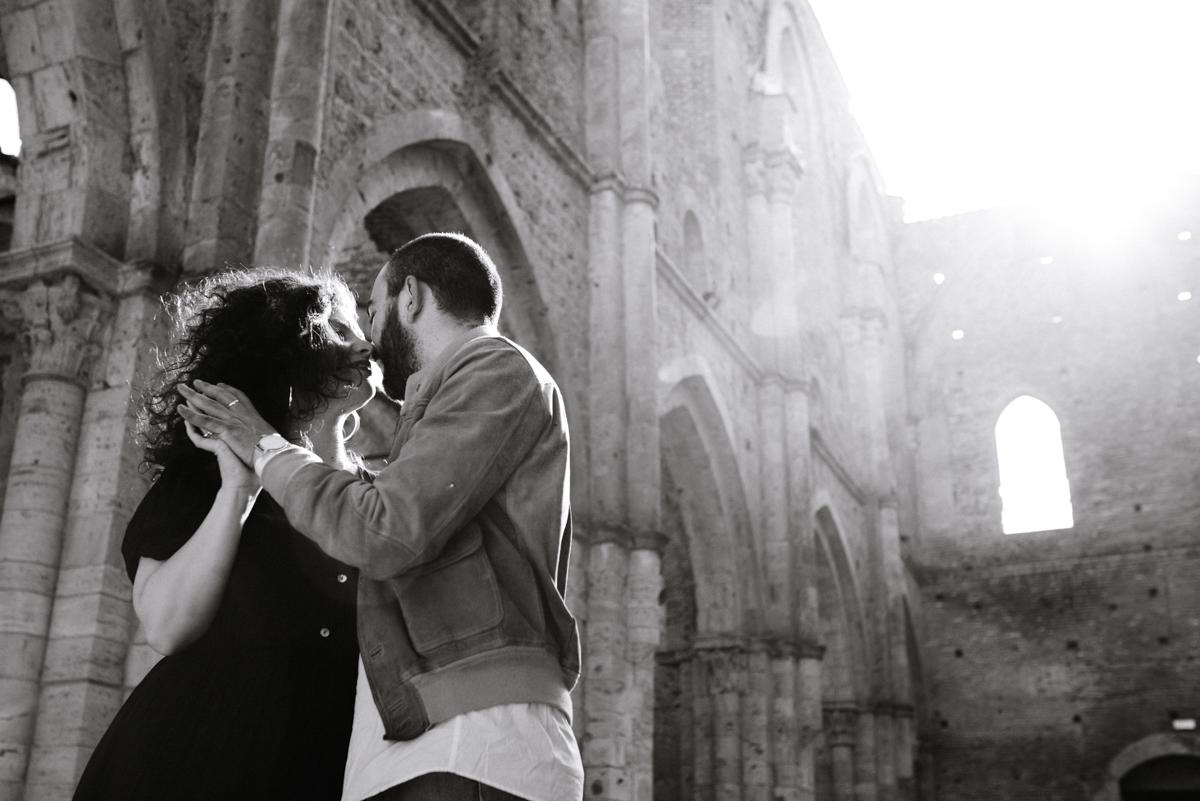 wedding photography tuscany arezzo san galgano