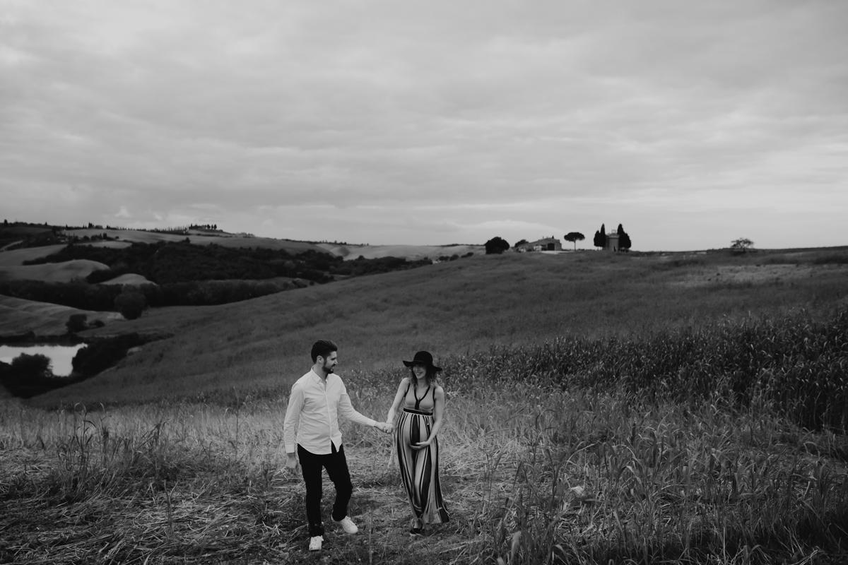 engagement tuscany photographer