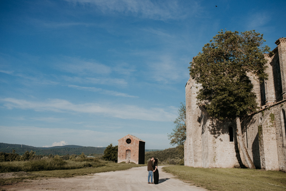 engagement wedding tuscany