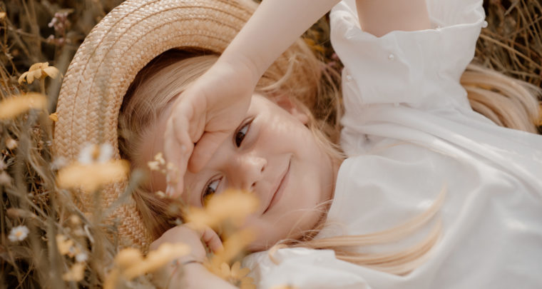 Spring photoshoot, kids & family photographer in Arezzo, Tuscany